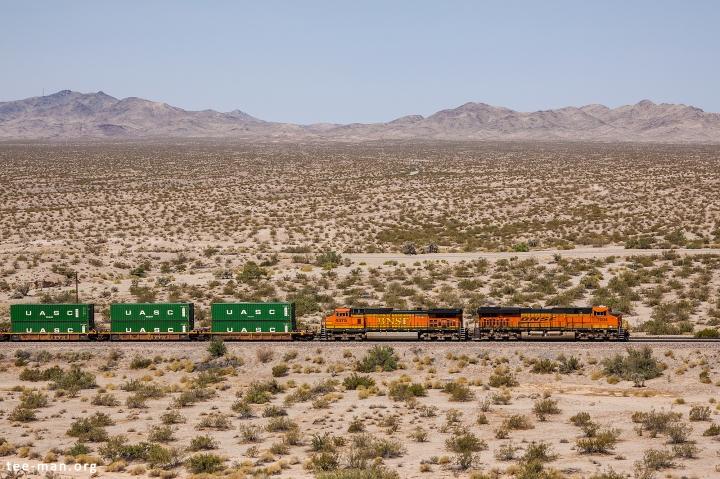 BNSF 7004, Needles (CA) 27-5-2014