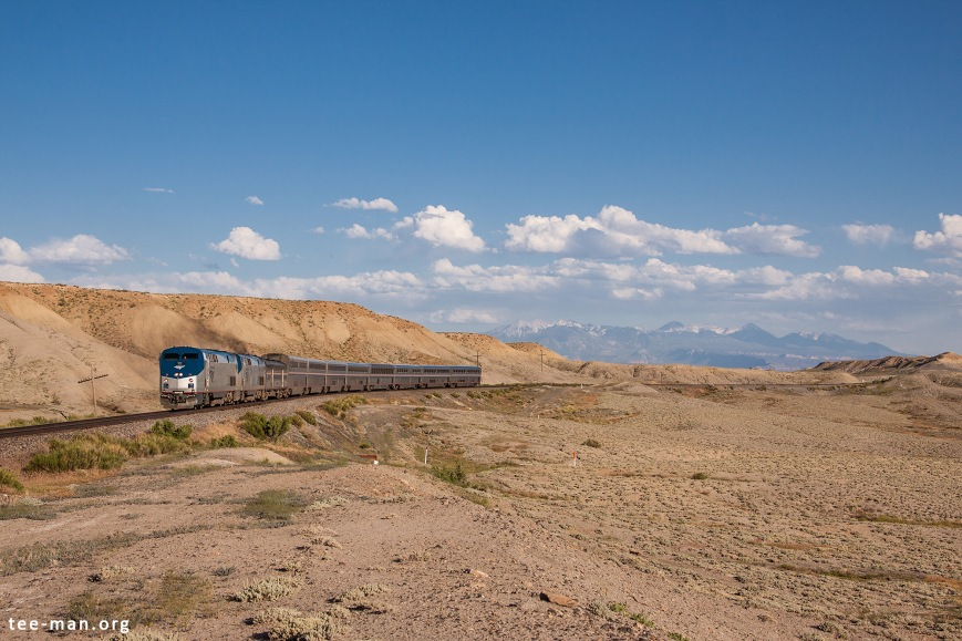 Amtrak's 22 pulls the California Zephyr into Utah, through Thompson, towards San Francisco. Thompson (UT), 31.5.2014