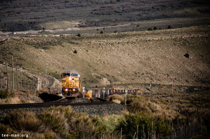 During a stop to take out the mid-train helper locomotives, we see UP's 6770 waiting to continue down Spanish Fork Canyon. Colton (UT), 1.6.2014
