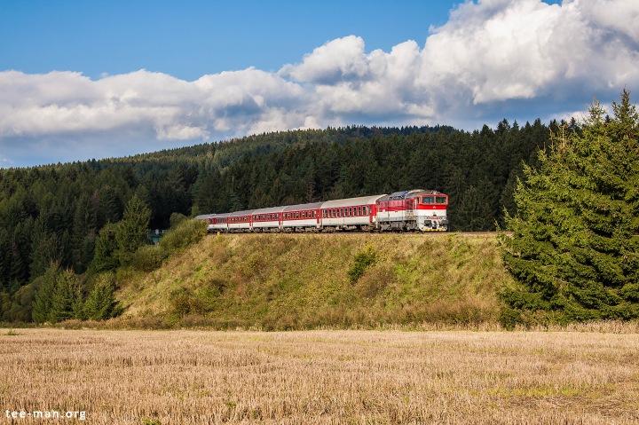 ZSSK's 754 056 hauls a passenger train from Banská Bystrica to Žilina. Turčianske Teplice, 22.9.2016