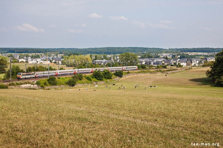EC Iris from Brussels to Basel runs through Fentange. 8.8.2015