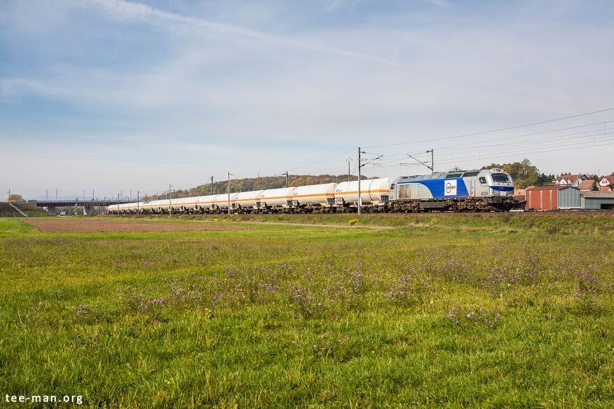 Europorte 4024 heads a train of tanker cars in direction of Strasbourg. Wilwisheim, 24.10.2015
