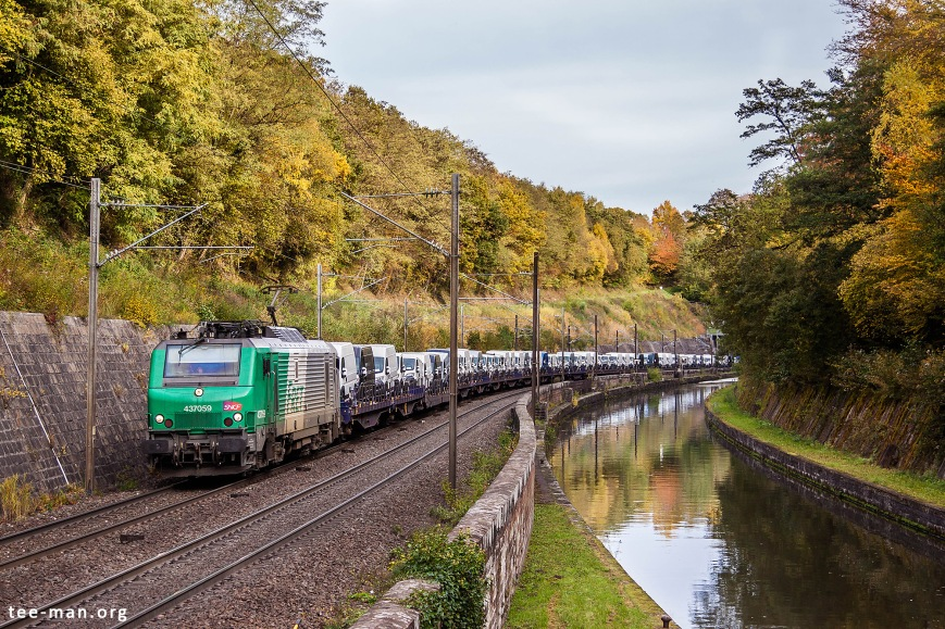 AKIEM's 37059, rented by SNCF, hauls vans up north. Arzviller, 24.10.2015