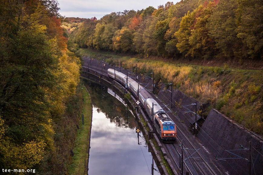 SNCF's 26167 and the Eurocity to Basel. Arzviller, 24.10.2015