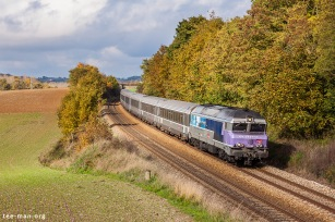 I beat the clouds! SNCF's 72186 races past an enthusiast photographer on its way to Chaumont. Chalmaison, 25.10.2015.